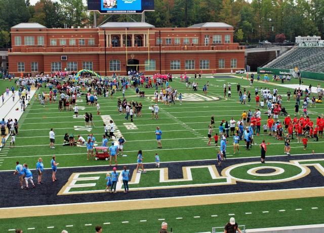 Charlotte 49ers student-athletes sponsored the Buddy Walk.